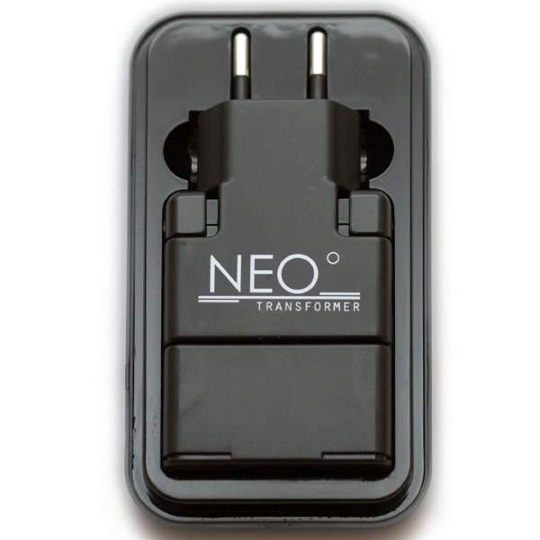 NEO-Universal-Travel-Adapter